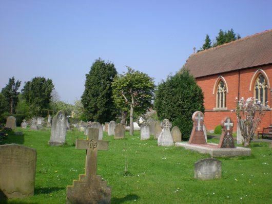 בית קברות ליד כנסיה בסורביטון   A cemetery near a church in Surbiton