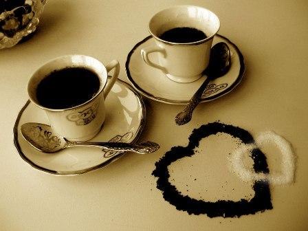 ספלי קפה עם לב