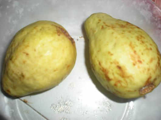 גויאבות טעימות Delicious guavas