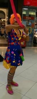 ליצנית עם בלון Clown with a baloon