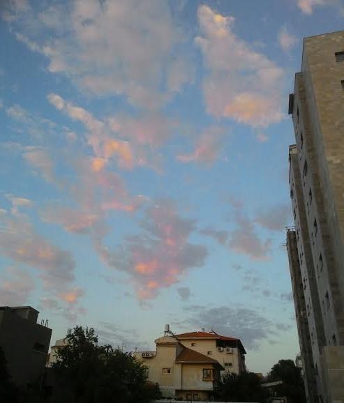 השמיים משתאים The sky wonder