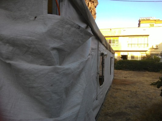 אוהל אבלים ברחבת הבניינים שלנו Mourning tent at our building block
