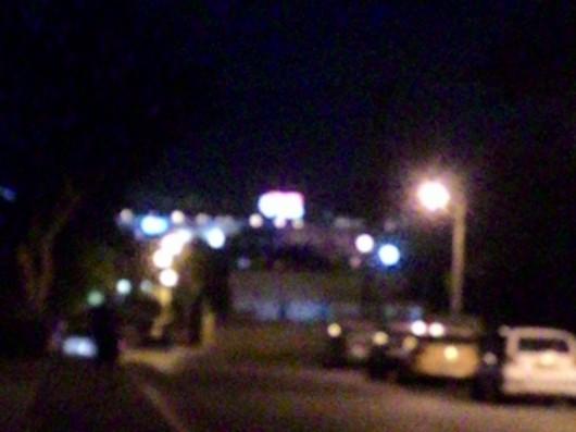 לילה ברחוב בחדרה, הכל מטושטש Night on a street in Hadera, it's all blurred