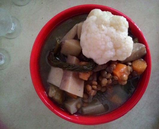 מרק ירקות עשיר עם עדשים Rich vegetable soup with lentils