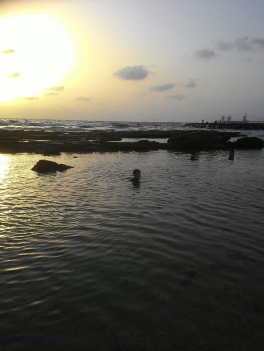 קיץ בישראל, המים חמים והשמש קופחת Summer in Israel, the water is hot and the sun is beating