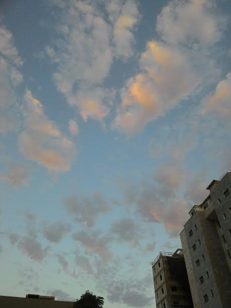 ענני נוצה Feather clouds