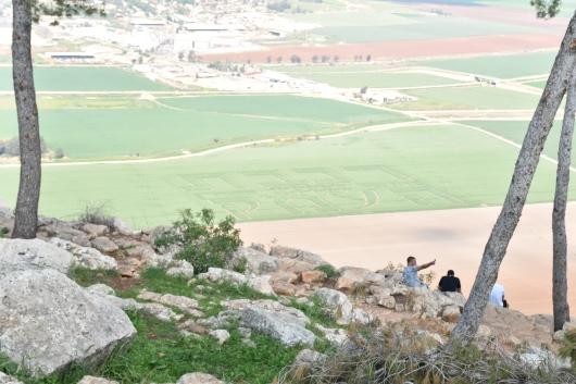 מבט נוסף מהר גלבוע לעמק יזרעאל Another view from Mount Gilboa to the Jezreel Valley