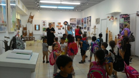 ביקור ילדי הגן בתערוכה The kindergarten children visit the exhibition