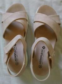 סנדלים ורודים Pink sandals