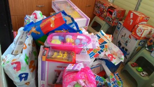 ערימת מתנות A stack of presents