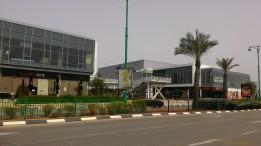 מרכז קניות שומם Deserted shopping center